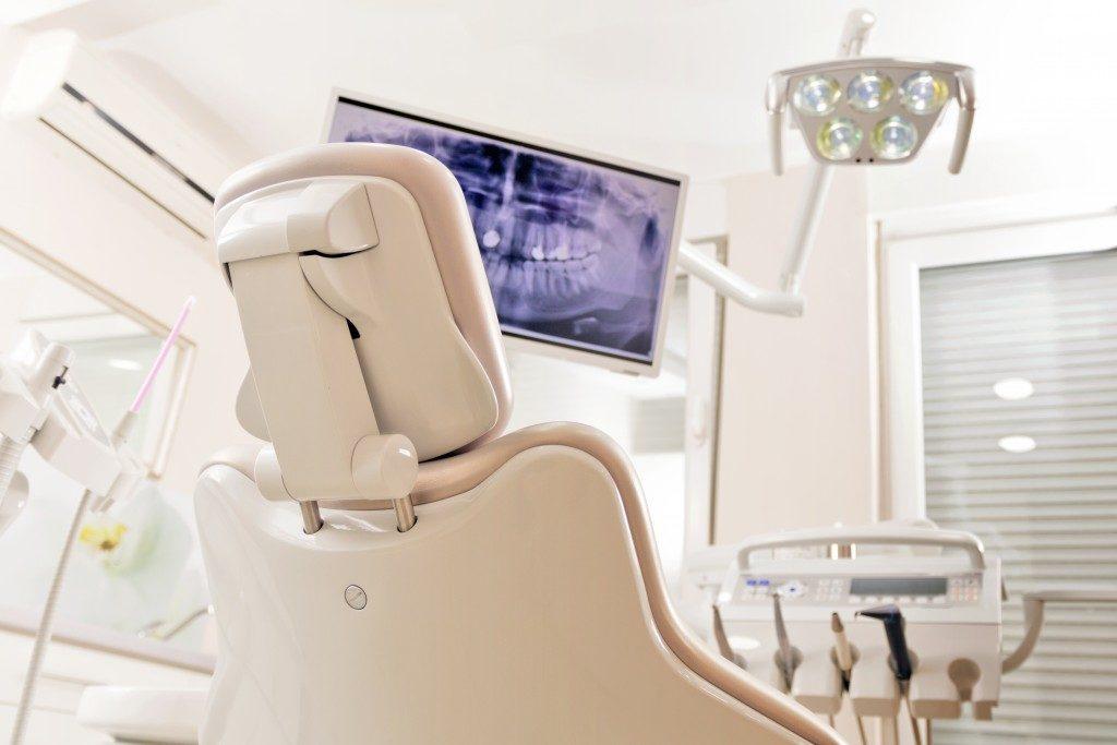 dental chair at the dentist
