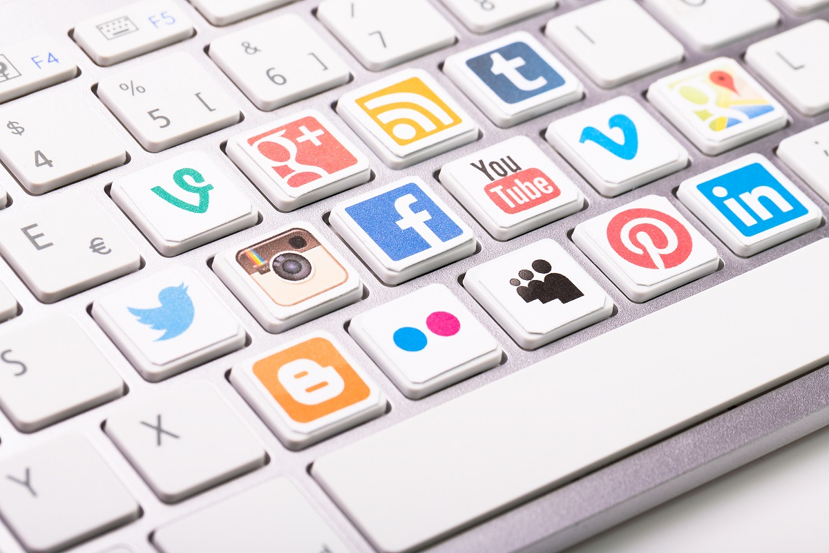 social media buttons on a keyboard