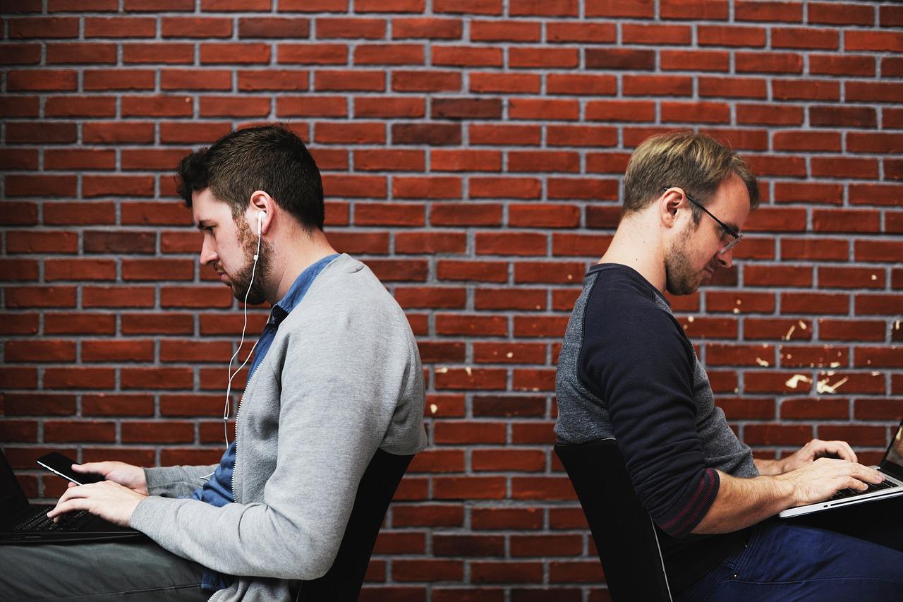 people browsing web